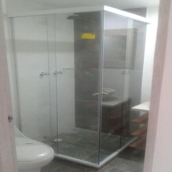 Vidrio templado en acero y aluminio 3016427921