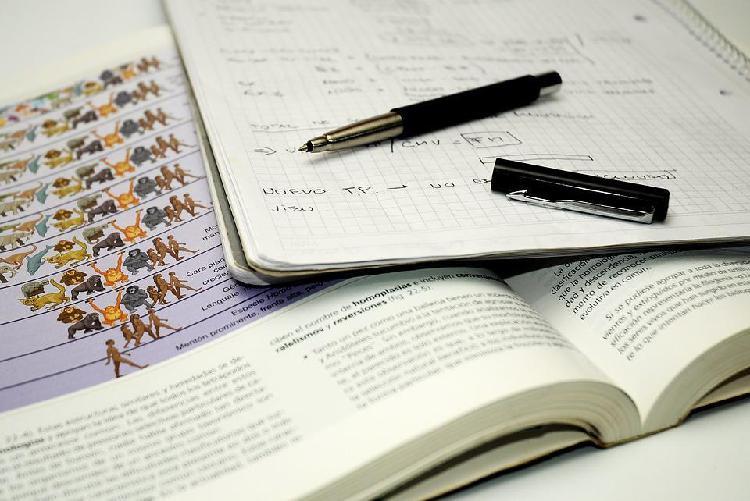 Clases, trabajosproyectos de biología, química y