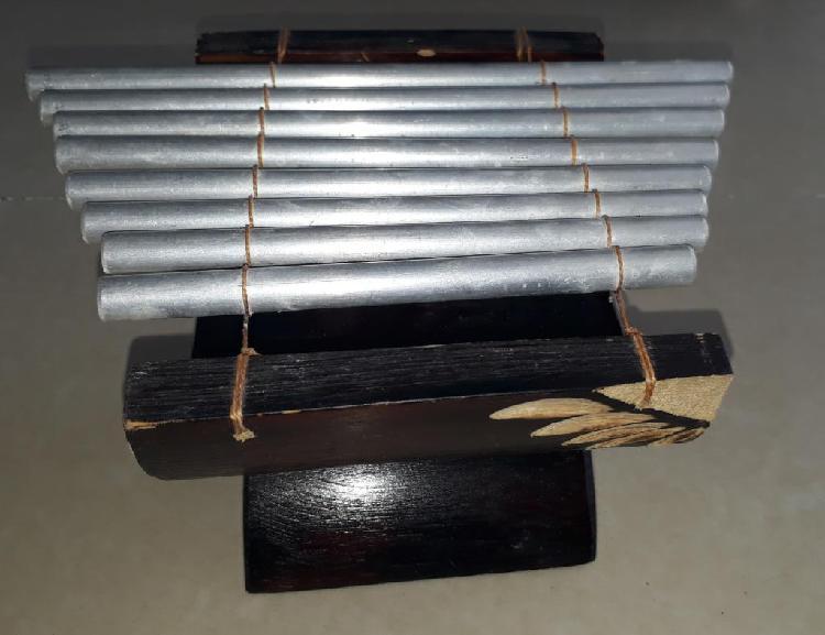 Instrumento musical artesanal