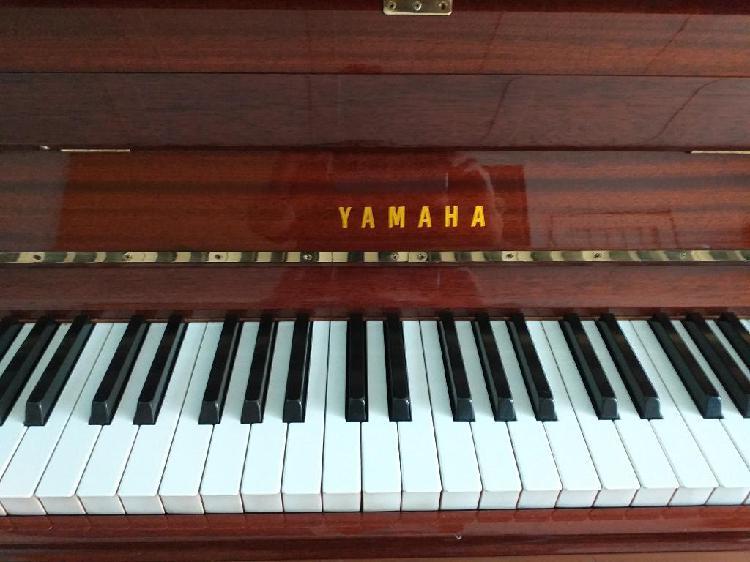 Piano acustico yamaha..vendo3118917027