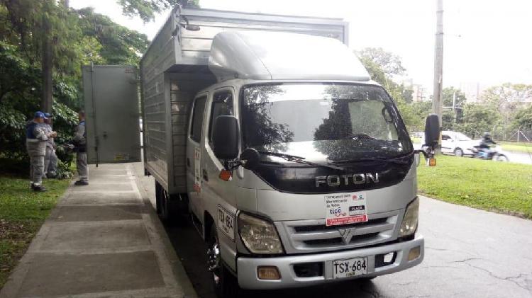 Camión foton doble cabina furgón