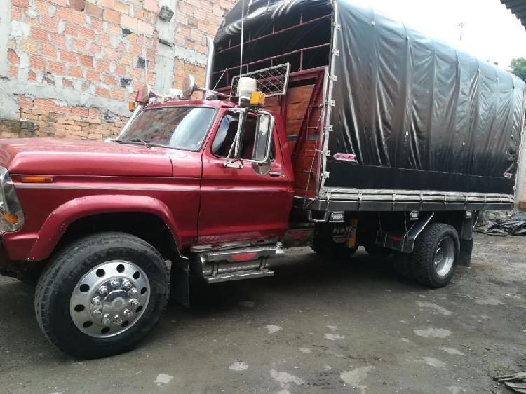 Camion Estacas, Campero Ford Llanero. Mo