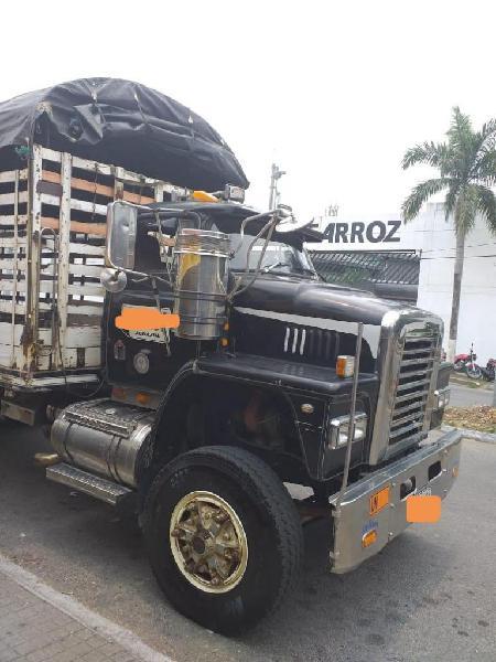 Se vende camion dobletroque dodge