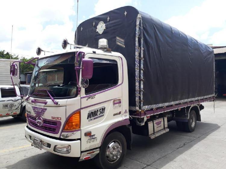 Vendo camion hino linea fc9jjta mod 2016