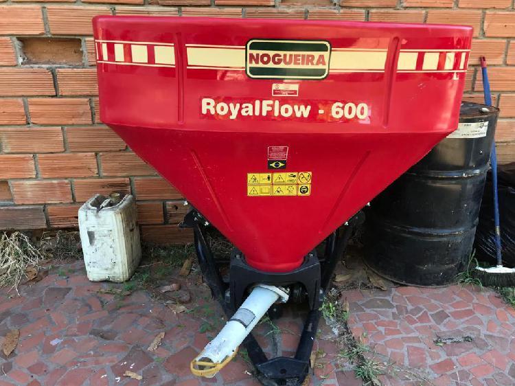 Abonadora pendular nogueira royal flow para frutales y