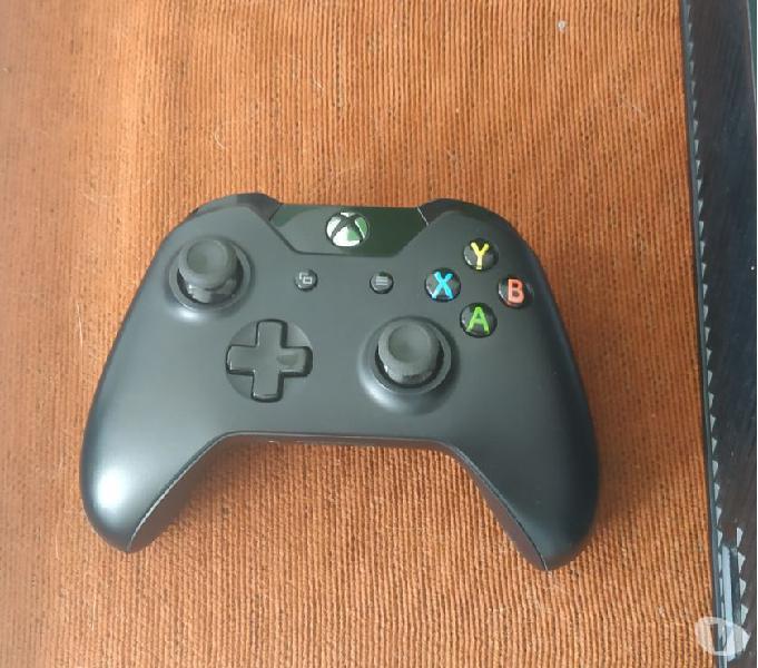 Xbox one 1tb + 1 control + 4 juegos digitales y 2 en fisico