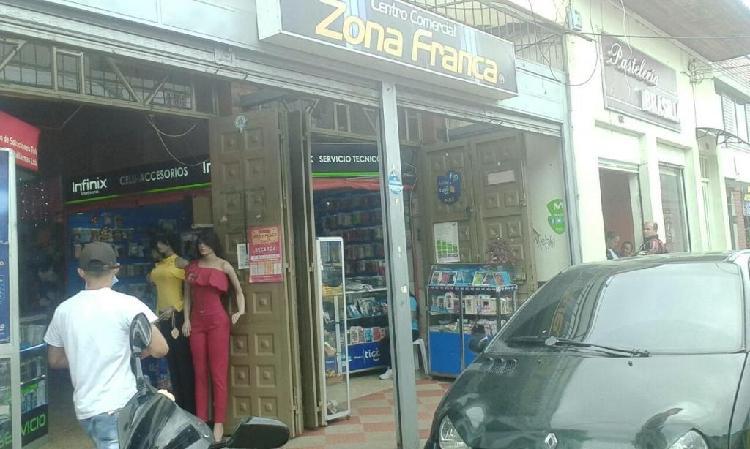 Arriendo local comercial en el centro de FUSAGASUGA.