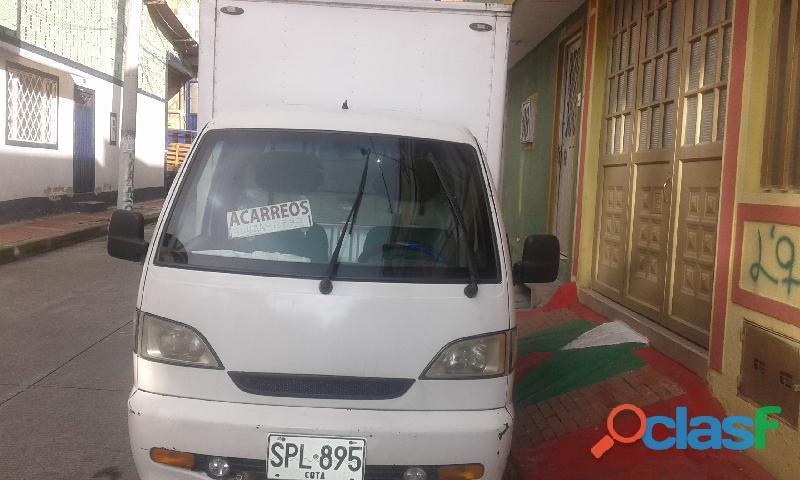 Se vende camioneta furgon