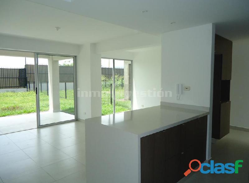 Venta casa grande, cómoda y hermosa en casazul espectacular condominio en verde alfaguara.