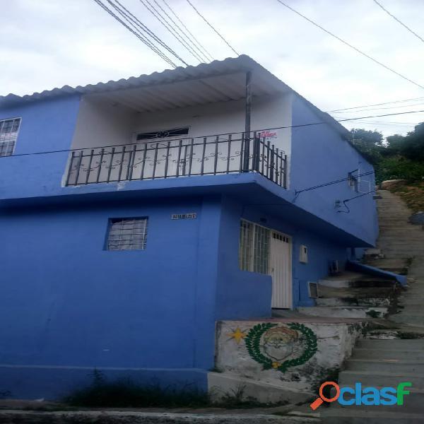 Se vende casa girón barrio paraíso esquinera dos aptos independientes