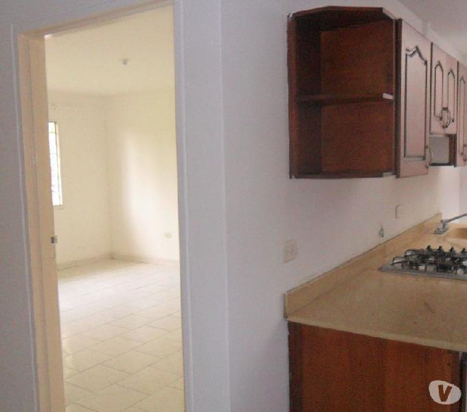Vendo casa biplantas esquinera con apartaestudios -limonar