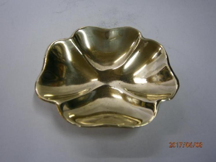Cenicero bronce trébol macizo