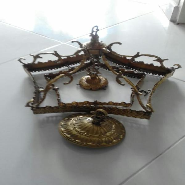 Lámpara antigua en bronce
