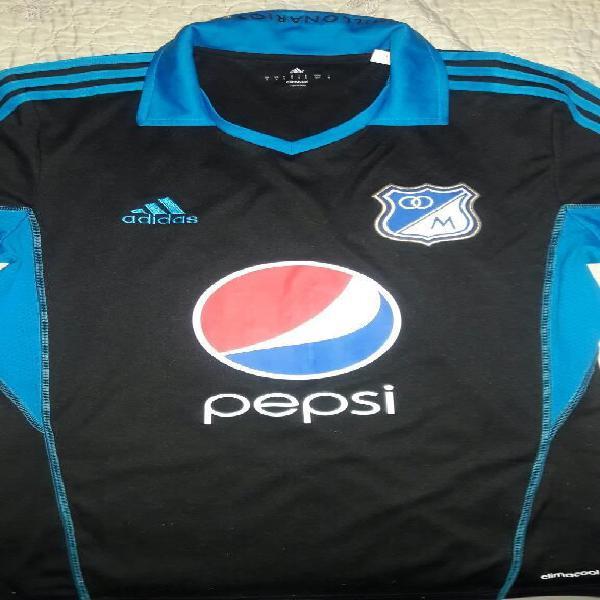 05b3cad8 Camiseta negra millonarios 2013
