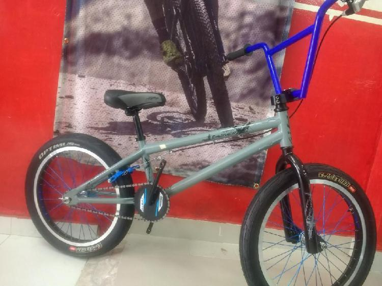Bicicleta bmx gw destructor nueva