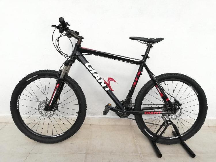 Bicicleta giant atx r26 talla l 3x9 vel
