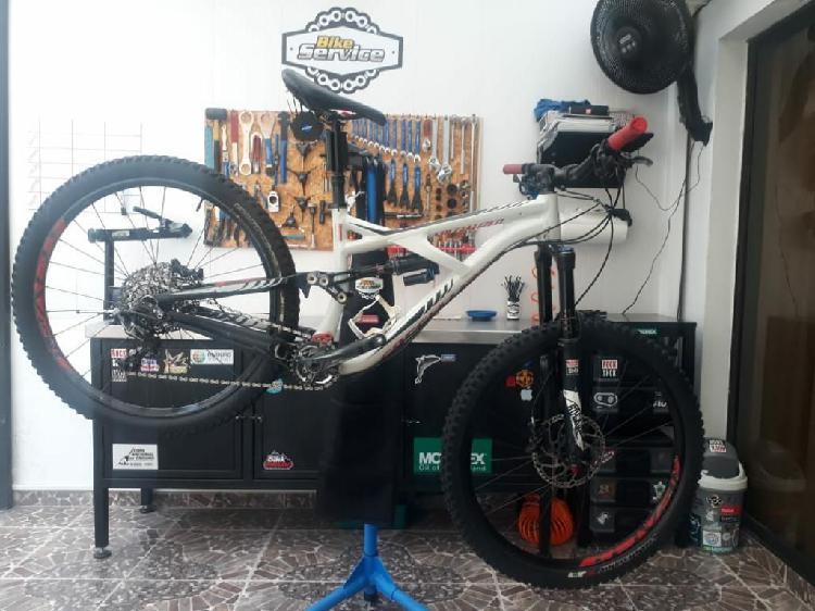 Bicicleta specialized enduro