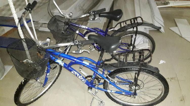 Vendo 2 bicicletas playeras como nuevas.