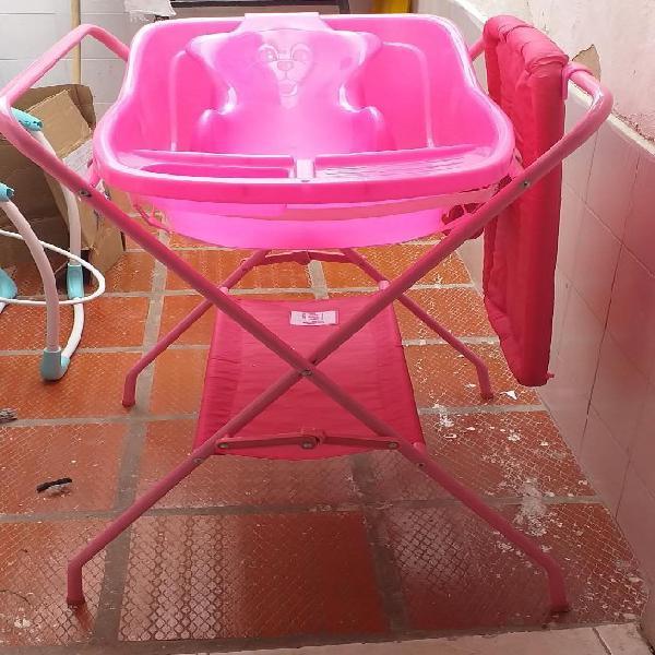 Bañera para bebe con soporte y cambiador