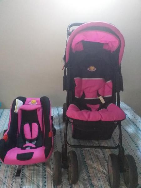 Coche con porta bebé y silla para carro