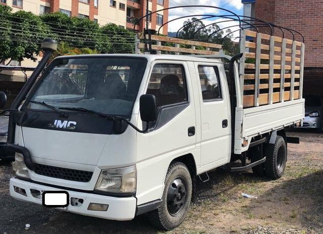 Camión carga doble cabina jmc