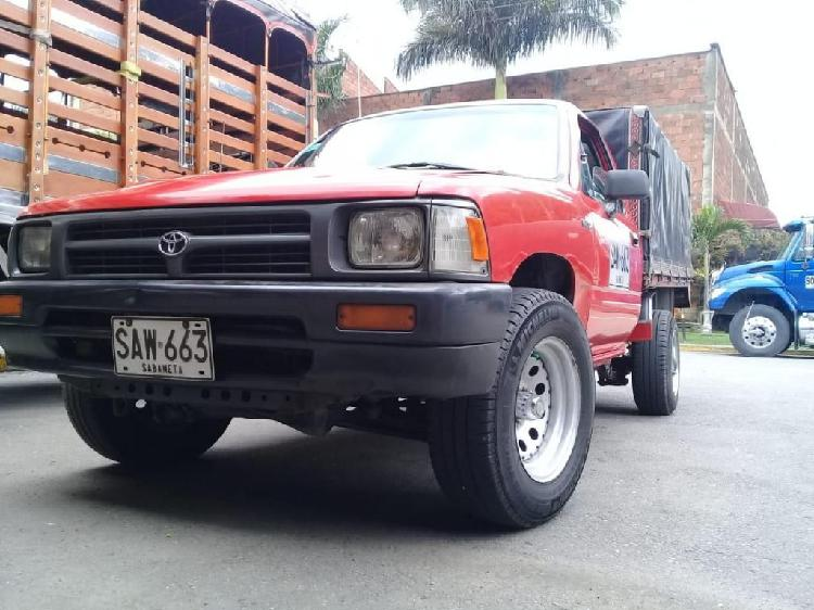 Toyota hilux 2.0 (5g) 2x4