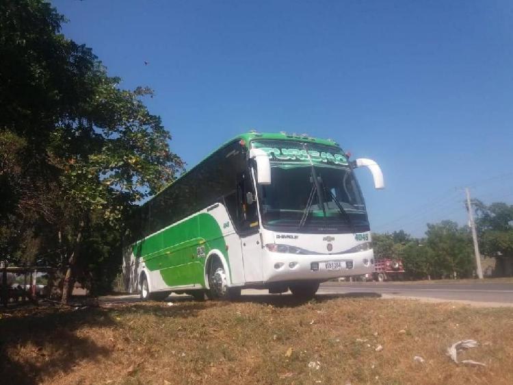 Vendo bus chevrolet 660 isuzu todo aldia