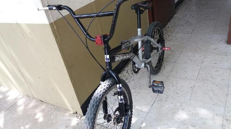 Vendo bicicleta gw original freno disco