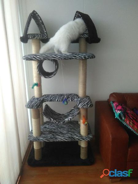 Gimnasios y repisas para gatos. lindos diseños