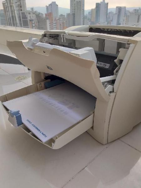 Impresora laser blanco y negro de alto rendimiento hp 1300