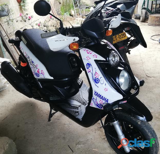 Vendó bws yamaha 125 cc modelo 2012 excelente estado