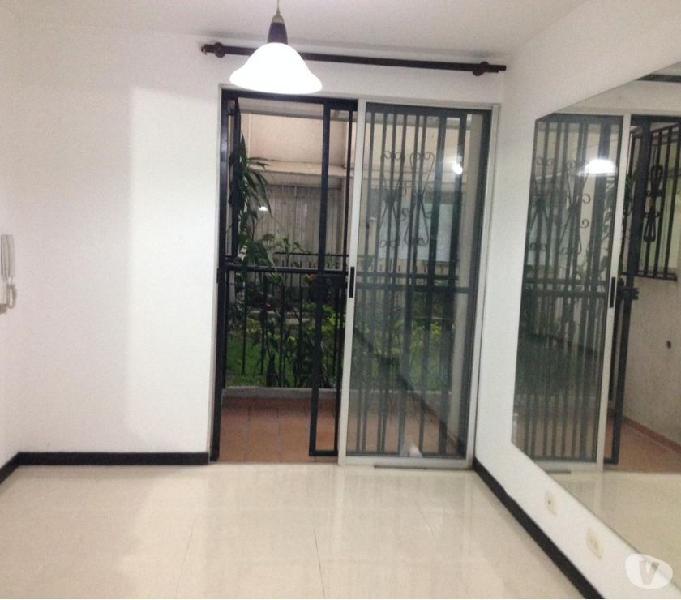 Apartamento sur 1 piso 4 habitaciones y estudio en arriendo