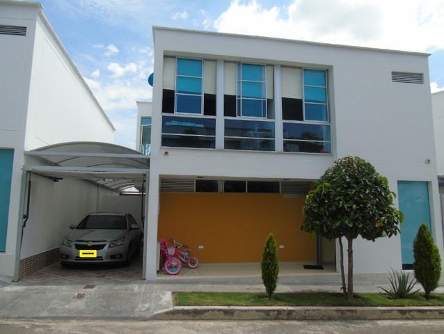 Club house gold – vendo casa cañaveral