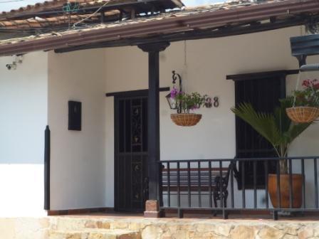Vendo casa castilla la nueva conjunto colonial de giron