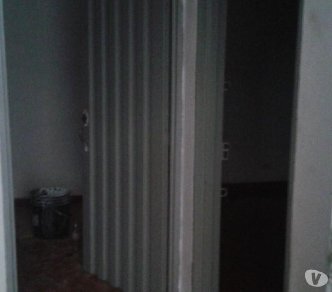 Se alquila aparta estudio 2 habitaciones primer piso