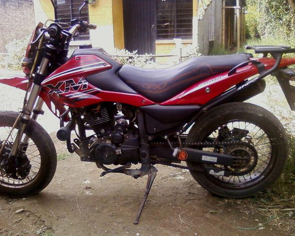 Vendo moto akt modelo 2011 linea ak200xm