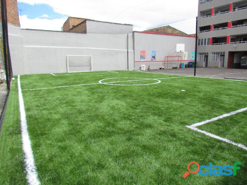 Venta de grama sintética para campos deportivos