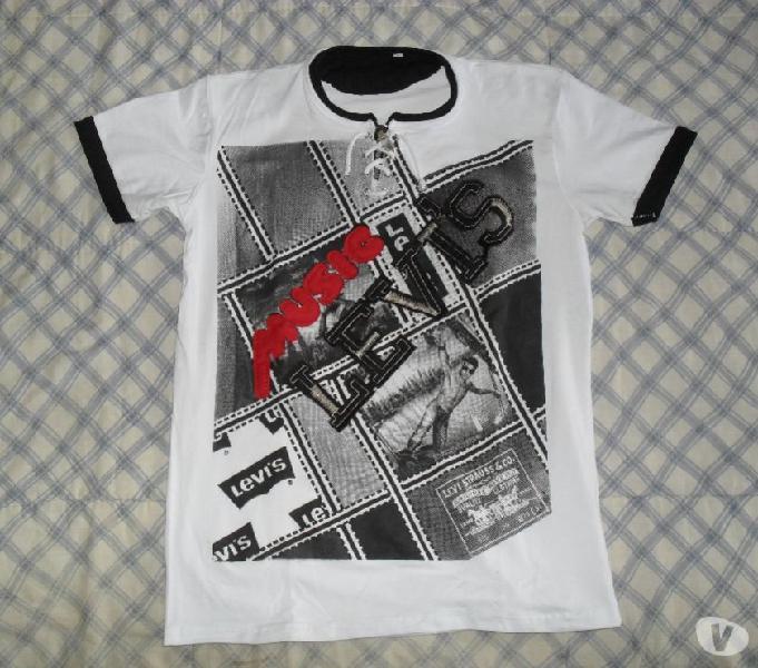 Camiseta levis blanca con estampado y cremallera talla s y m