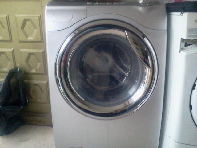Vendo lavadora secadora haceb 28 lbs gris