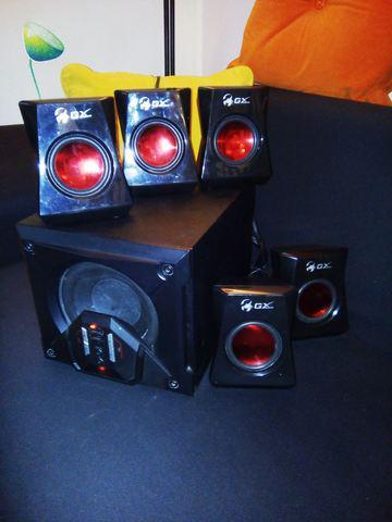 Vendo teatro en casa sistema de sonido 5.1 genius 3500 gx