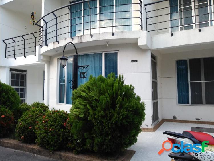 Se vende casa 2 pisos conjunto cerrado flandes