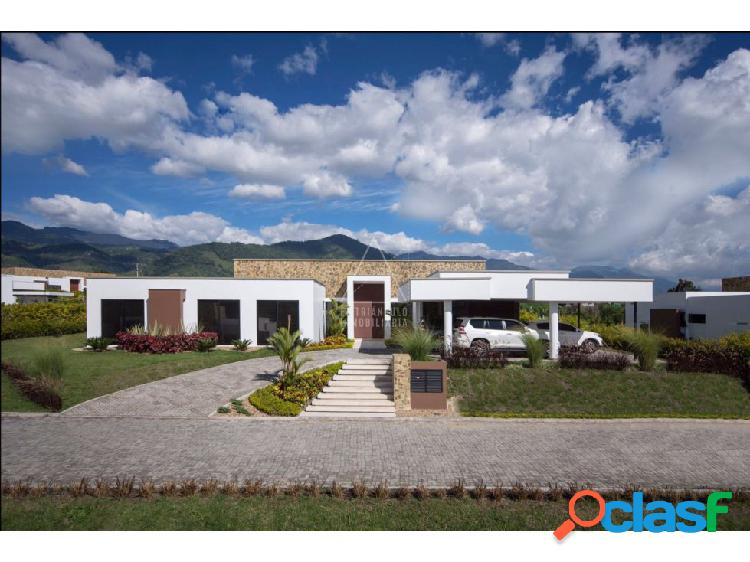 Se vende casa de lujo condominio norte armenia