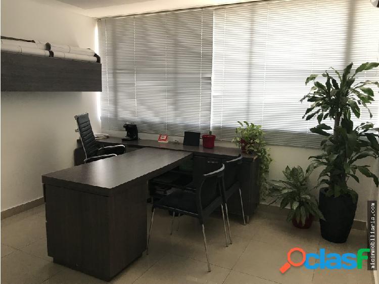 Arriendo sala de juntas y oficina por dia