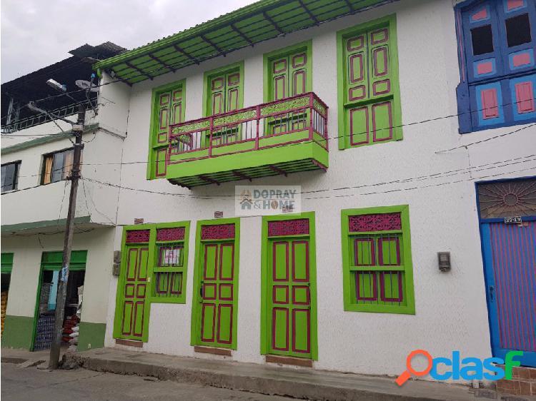 Casa colonial en el centro de genova quindío