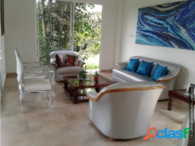 Venta casa de dos pisos en condominio jamundi