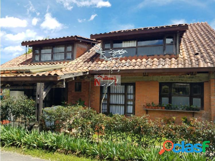 Venta hermosa casa campestre vía armenia pereira