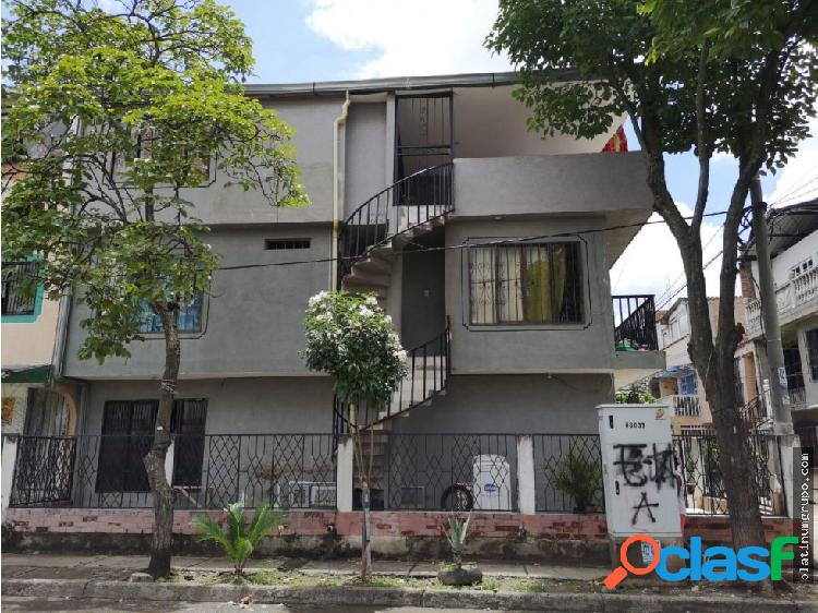 Venta casa trifamiliar barrio confenalco c.p