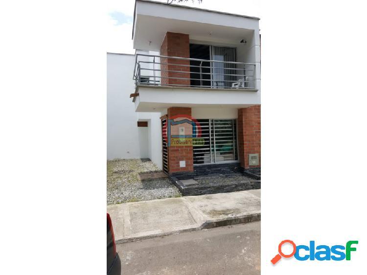 Casa en venta en unidad abierta en el municipio de la ceja