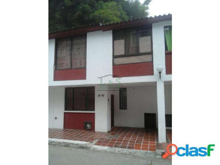 Casa de habitacion conjunto las villas