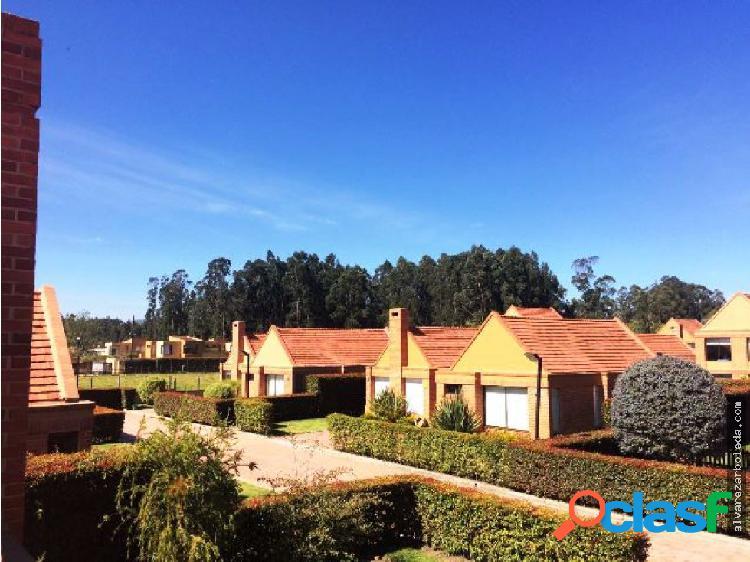 Casa en conjunto campestre chia-cajica